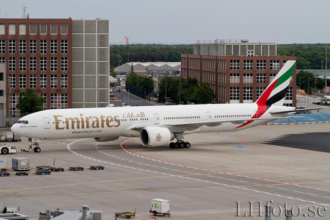 Emirates, Boeing 777-300ER, A6-ECN